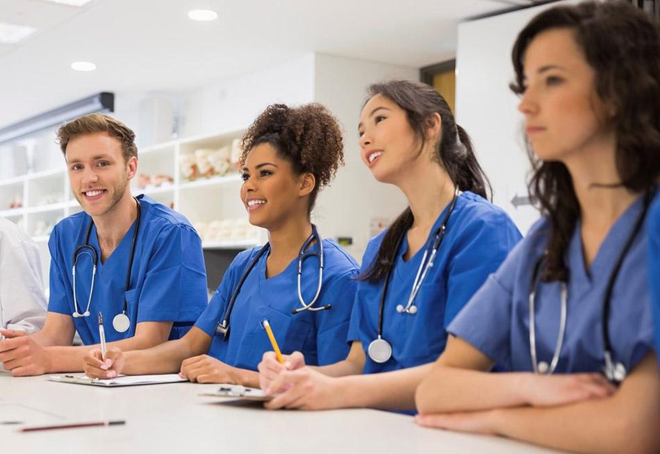 درآمد پرستاران در کشورهای خارجی