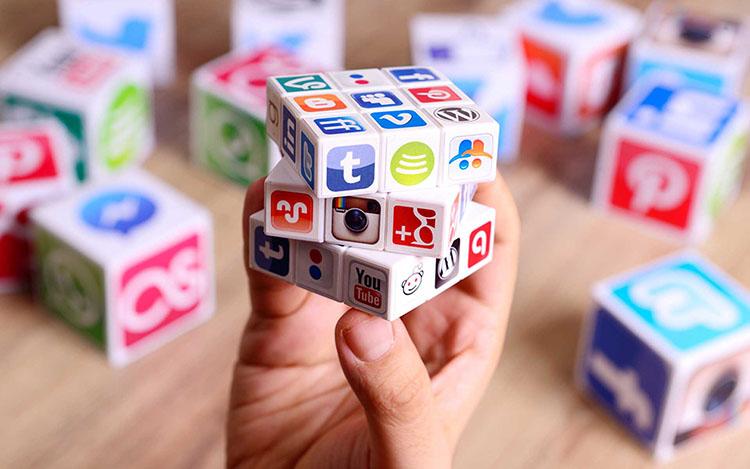 چگونه تبدیل به یک بازاریاب شبکه اجتماعی