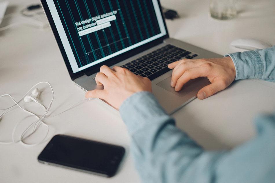 معرفی بهترین پلتفرم های فروش محصولات دیجیتال برای کسب درآمد ارزی