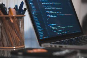 معرفی 13 وبلاگ و وب سایت برنامه نویسی برای بهبود مهارت های کد نویسی شما