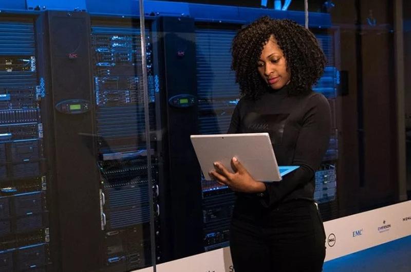 مزیت سرور اختصاصی (Dedicated Server) چیست